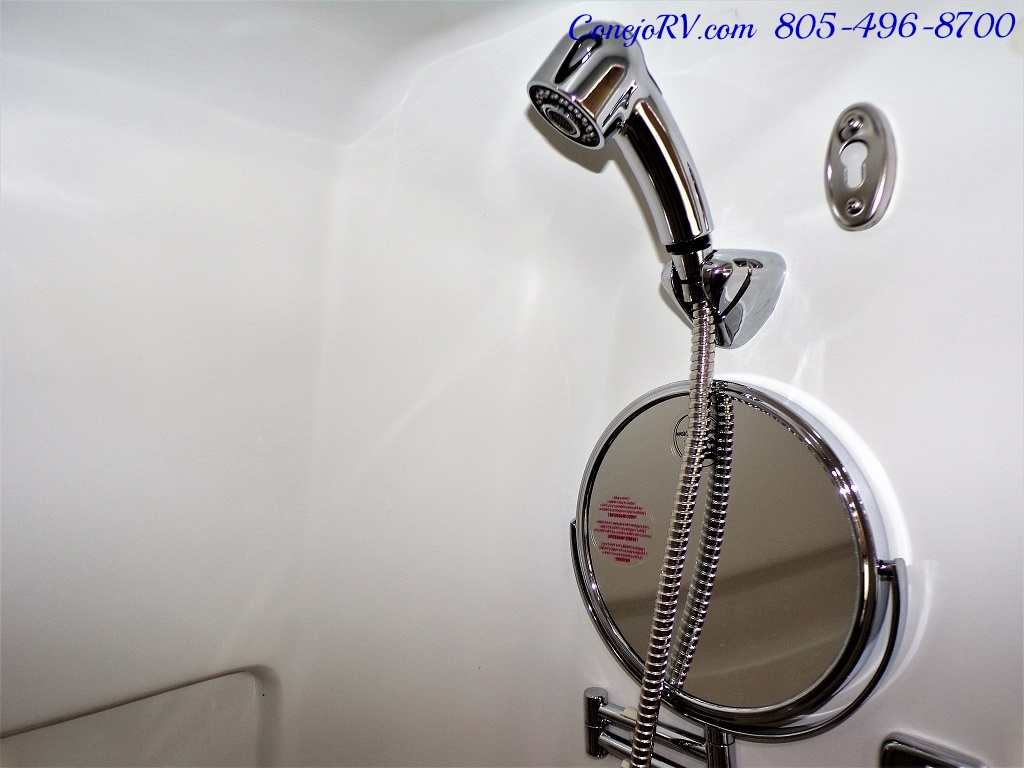 2014 Airstream Interstate 3500L EXT 24ft Mercedes Turbo Diesel - Photo 14 - Thousand Oaks, CA 91360