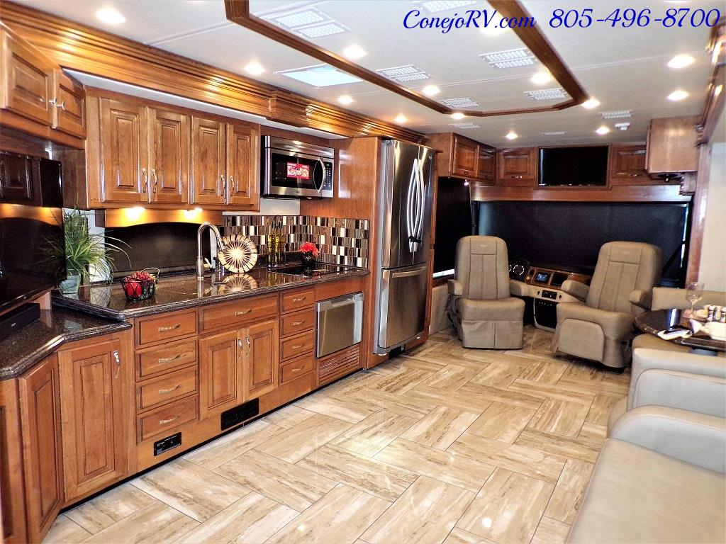2017 Fleetwood Discovery LXE 40G FULL WALL SLIDE - Photo 29 - Thousand Oaks, CA 91360
