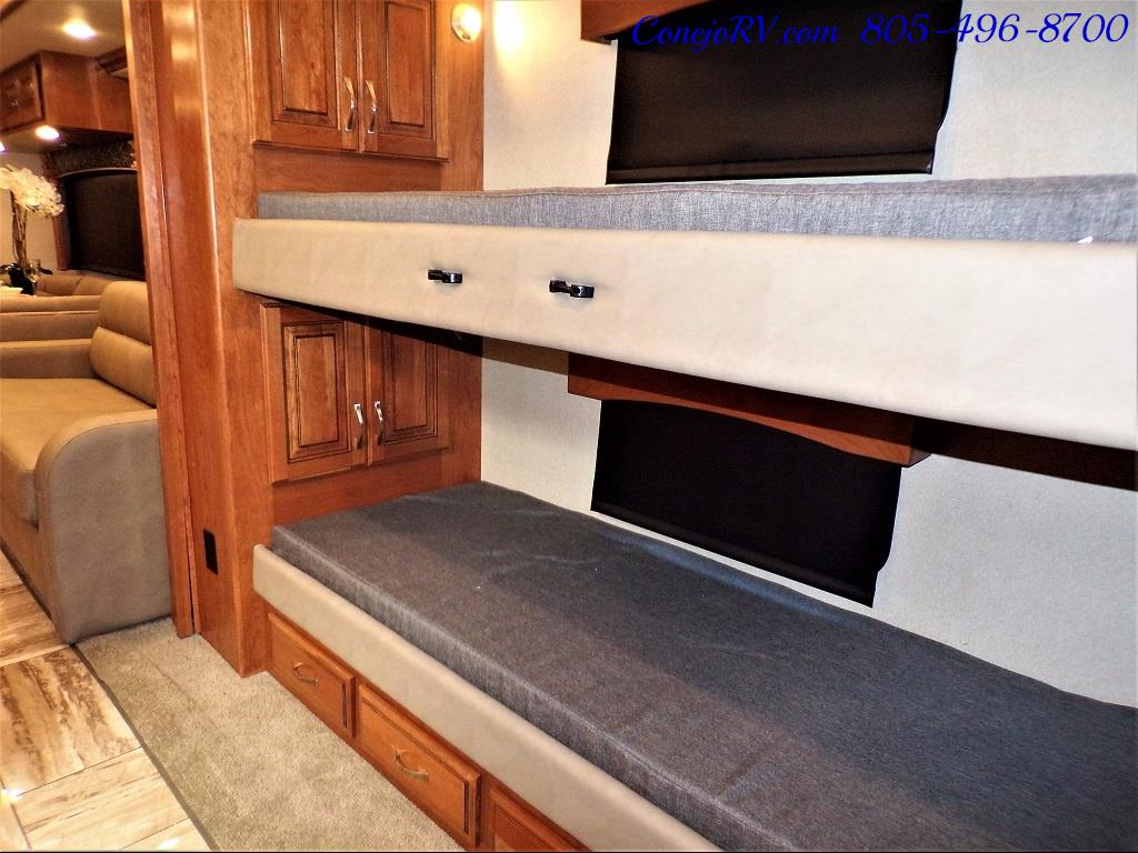 2017 Fleetwood Discovery LXE 40G FULL WALL SLIDE - Photo 23 - Thousand Oaks, CA 91360