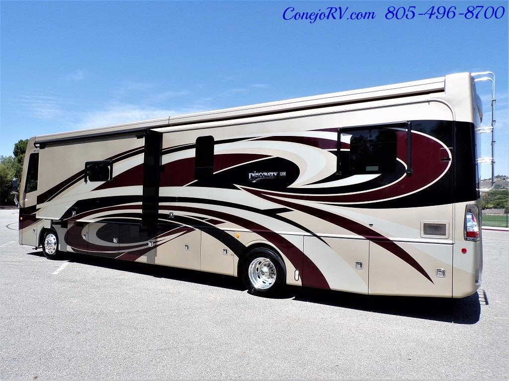 2017 Fleetwood Discovery LXE 40G FULL WALL SLIDE - Photo 4 - Thousand Oaks, CA 91360
