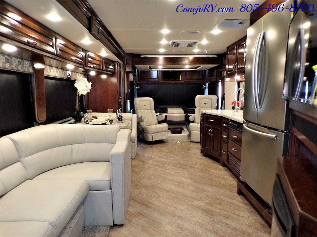 2018 Fleetwood Bounder LX 35K Bath and Half King Bed - Photo 28 - Thousand Oaks, CA 91360