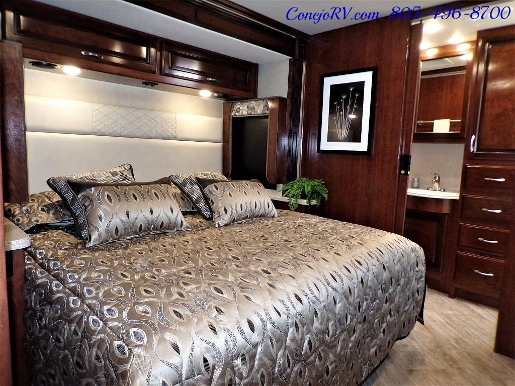 2018 Fleetwood Bounder LX 35K Bath and Half King Bed - Photo 22 - Thousand Oaks, CA 91360