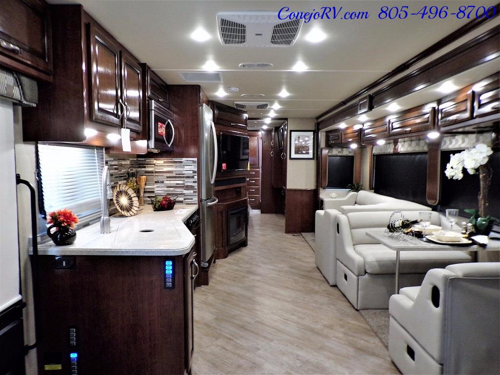2018 Fleetwood Bounder LX 35K Bath and Half King Bed - Photo 7 - Thousand Oaks, CA 91360