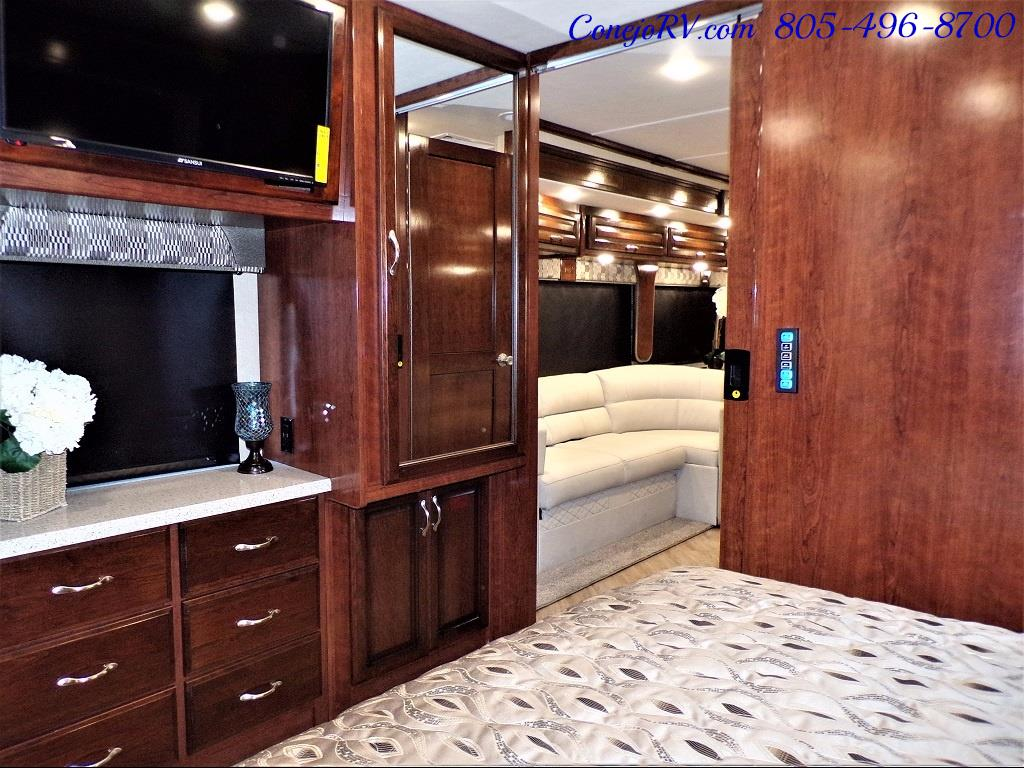 2018 Fleetwood Bounder LX 35K Bath and Half King Bed - Photo 25 - Thousand Oaks, CA 91360