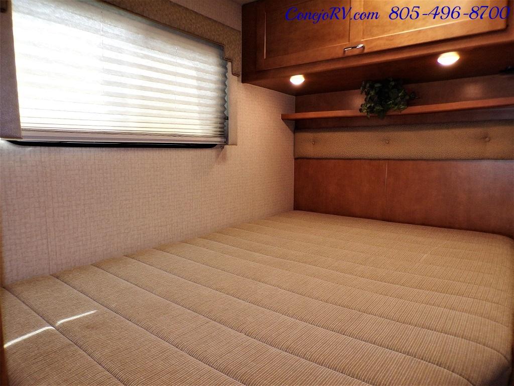 2017 Winnebago Minnie 22R Ford E-350 - Photo 16 - Thousand Oaks, CA 91360