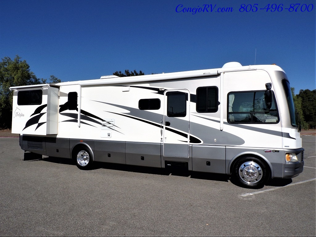 2006 National Dolphin 5355 Double Slide 20K Miles - Photo 3 - Thousand Oaks, CA 91360