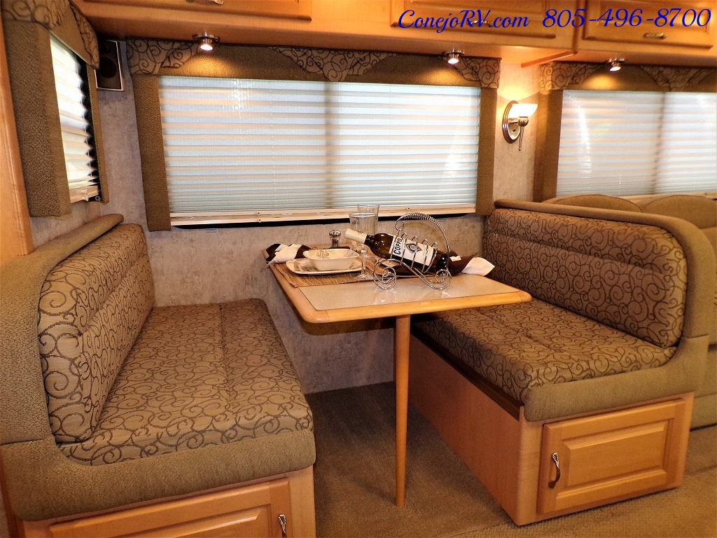 2006 National Dolphin 5355 Double Slide 20K Miles - Photo 11 - Thousand Oaks, CA 91360