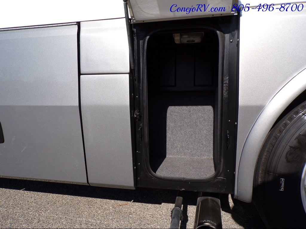 2006 National Dolphin 5355 Double Slide 20K Miles - Photo 32 - Thousand Oaks, CA 91360