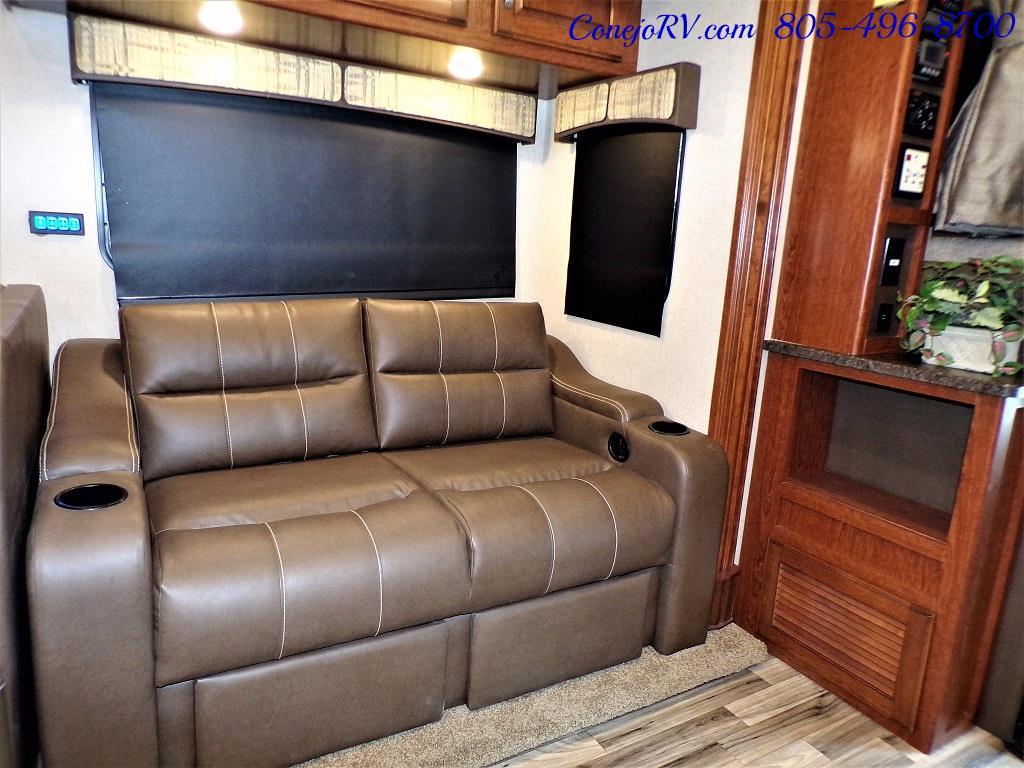 2018 Dynamax Isata 5 Series 36DS 4x4 Super-C King Bed DIESEL - Photo 11 - Thousand Oaks, CA 91360