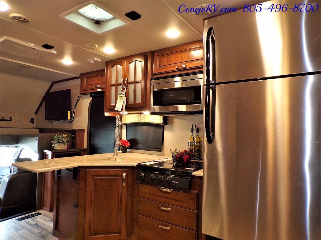 2018 Dynamax Isata 5 Series 36DS 4x4 Super-C King Bed DIESEL - Photo 16 - Thousand Oaks, CA 91360