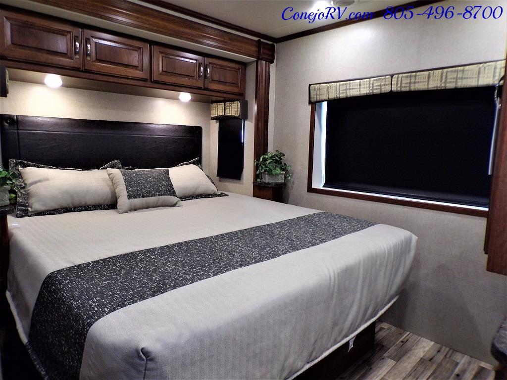 2018 Dynamax Isata 5 Series 36DS 4x4 Super-C King Bed DIESEL - Photo 21 - Thousand Oaks, CA 91360