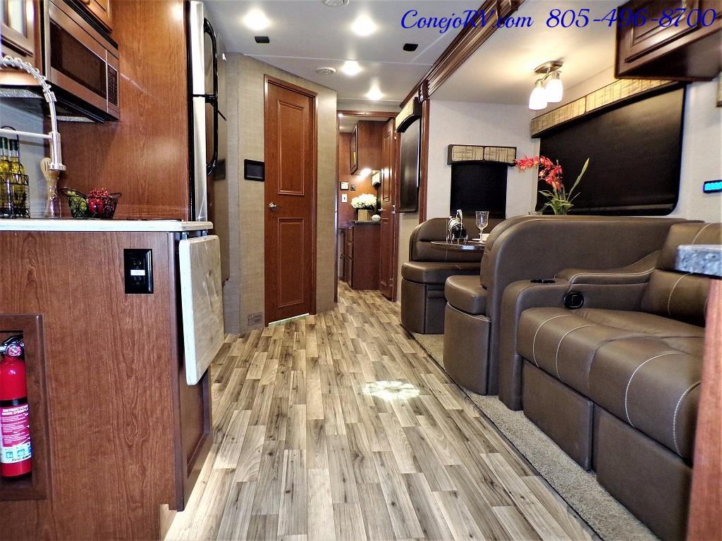 2018 Dynamax Isata 5 Series 36DS 4x4 Super-C King Bed DIESEL - Photo 7 - Thousand Oaks, CA 91360