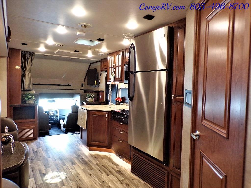 2018 Dynamax Isata 5 Series 36DS 4x4 Super-C King Bed DIESEL - Photo 26 - Thousand Oaks, CA 91360