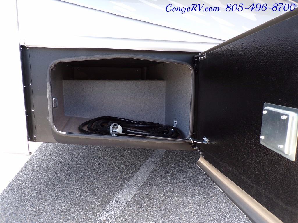 2018 Dynamax Isata 5 Series 36DS 4x4 Super-C King Bed DIESEL - Photo 33 - Thousand Oaks, CA 91360