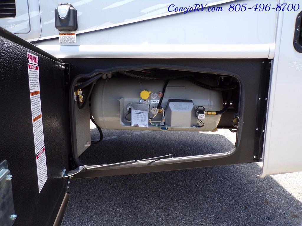2018 Dynamax Isata 5 Series 36DS 4x4 Super-C King Bed DIESEL - Photo 36 - Thousand Oaks, CA 91360