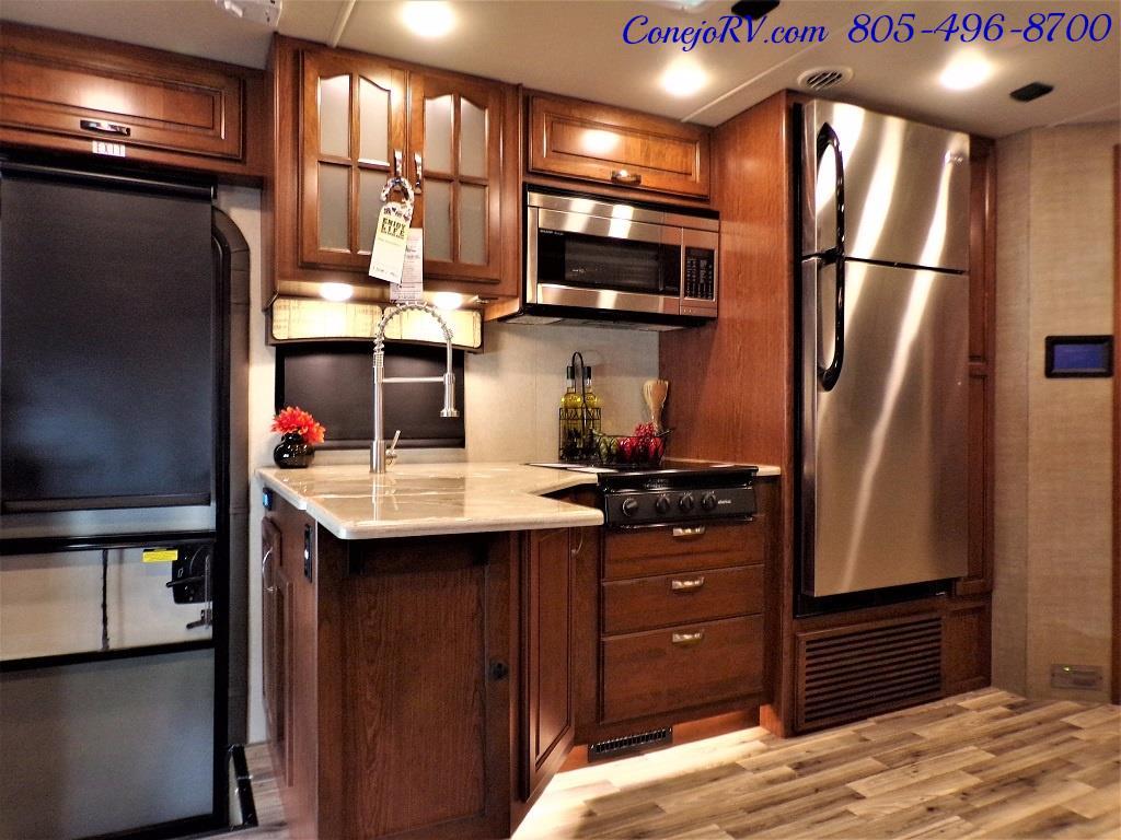 2018 Dynamax Isata 5 Series 36DS 4x4 Super-C King Bed DIESEL - Photo 14 - Thousand Oaks, CA 91360