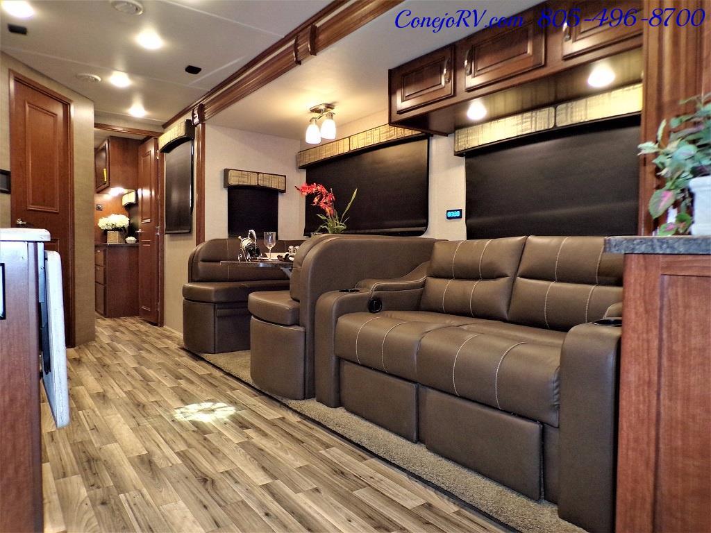 2018 Dynamax Isata 5 Series 36DS 4x4 Super-C King Bed DIESEL - Photo 8 - Thousand Oaks, CA 91360