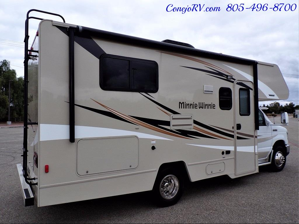 2017 Winnebago Minnie 22R Ford E-350 - Photo 4 - Thousand Oaks, CA 91360