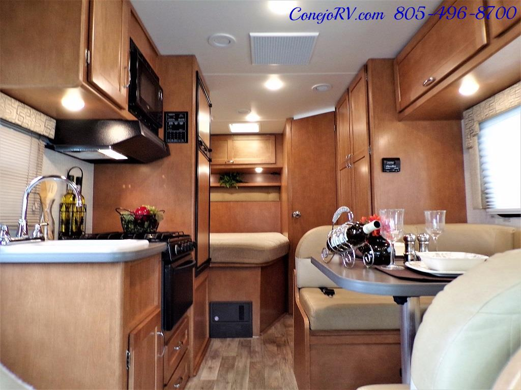 2017 Winnebago Minnie 22R Ford E-350 - Photo 5 - Thousand Oaks, CA 91360