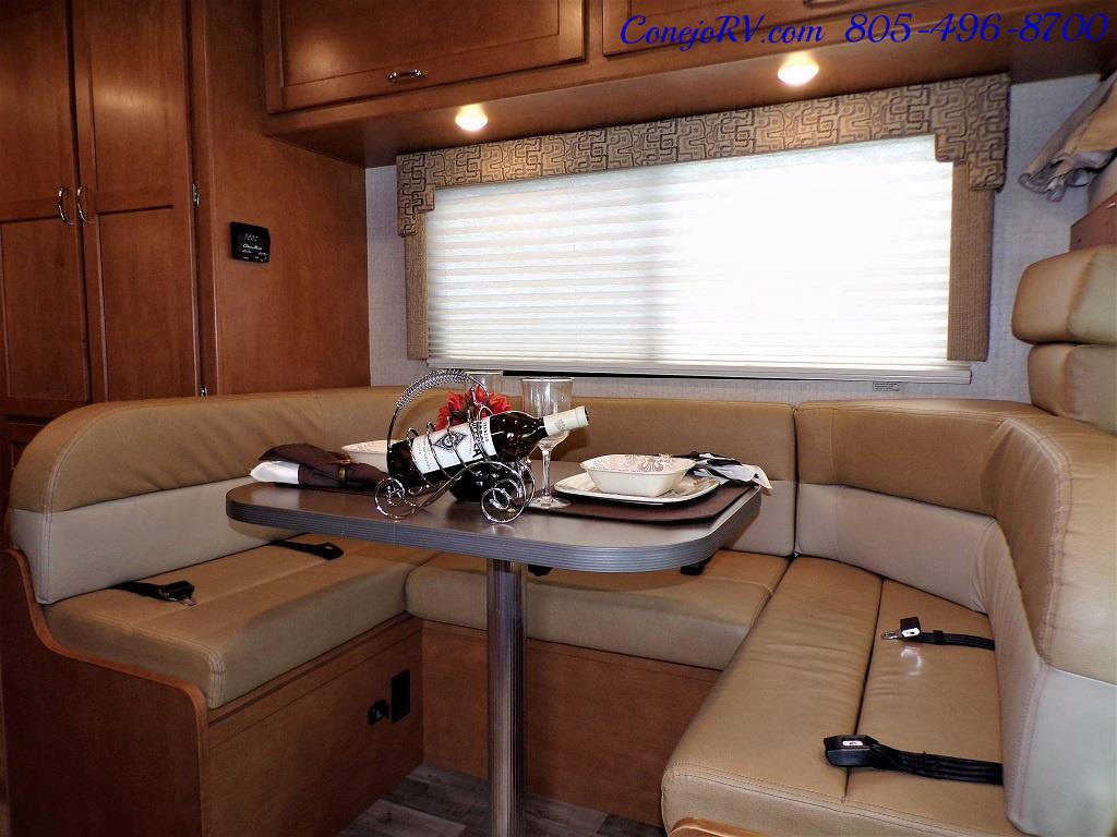 2017 Winnebago Minnie 22R Ford E-350 - Photo 8 - Thousand Oaks, CA 91360
