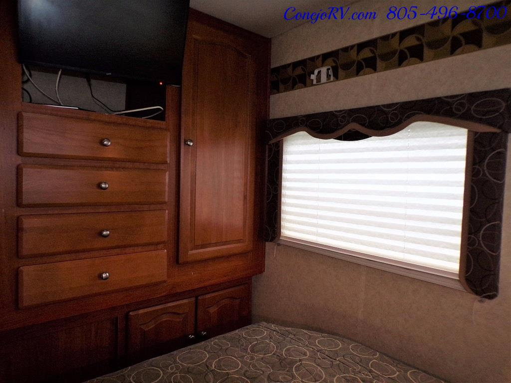 2007 Forest River Lexington GTS 283 Triple Slide Out - Photo 20 - Thousand Oaks, CA 91360