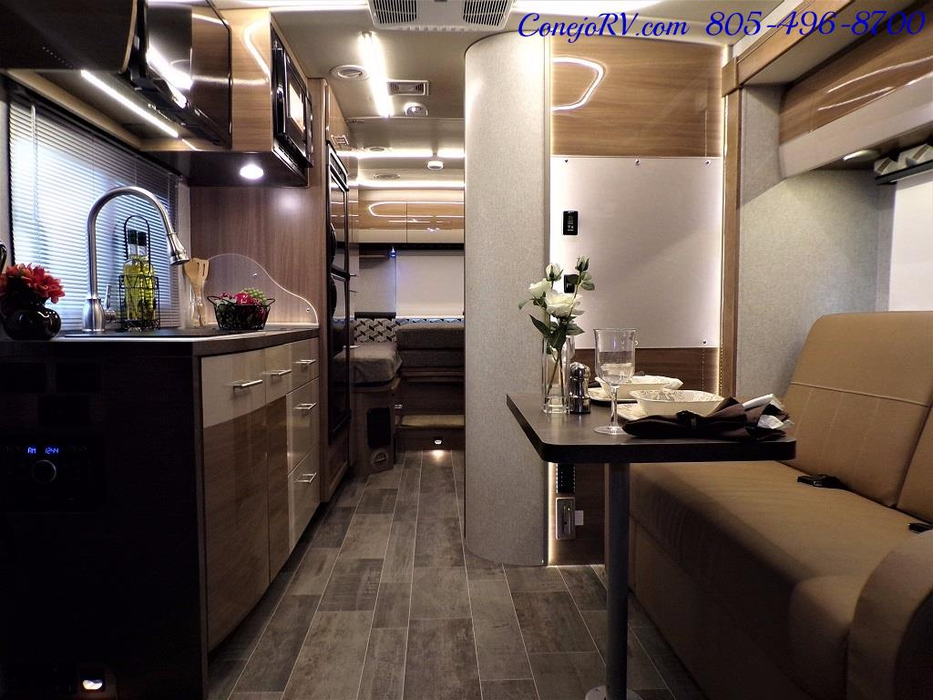 2018 Winnebago Navion 24V Slide-Out Full Body Paint Turbo Diesel - Photo 7 - Thousand Oaks, CA 91360