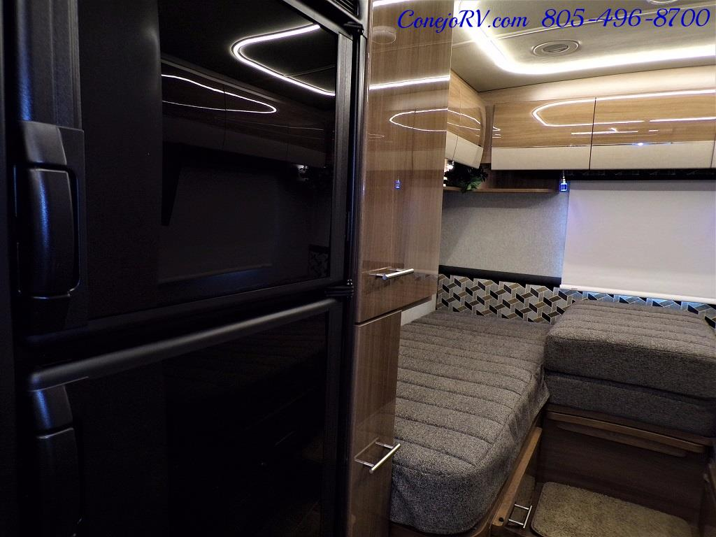 2018 Winnebago Navion 24V Slide-Out Full Body Paint Turbo Diesel - Photo 14 - Thousand Oaks, CA 91360