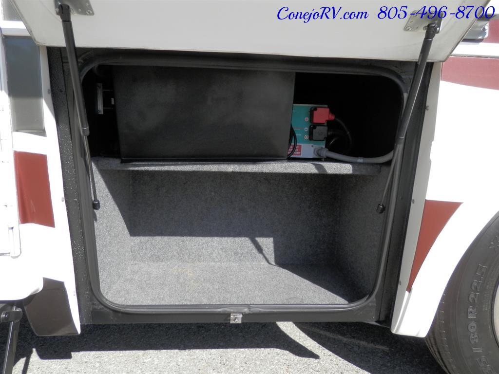 2005 National Dolphin 5340 2-Slide Big Chassis 30k Miles - Photo 31 - Thousand Oaks, CA 91360