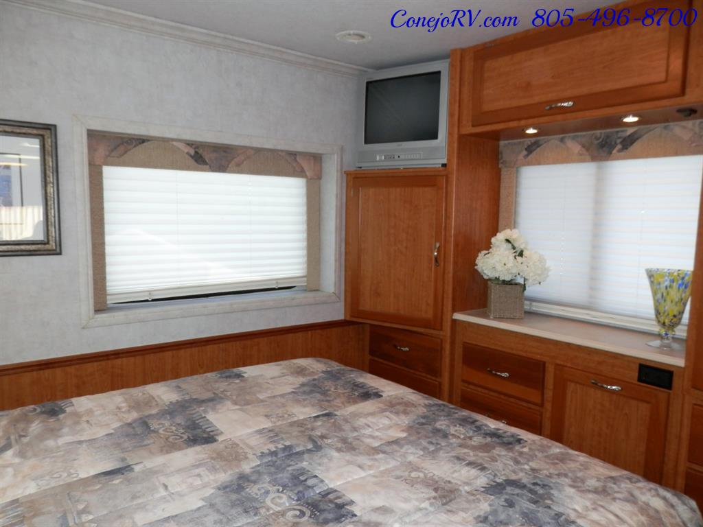 2005 National Dolphin 5340 2-Slide Big Chassis 30k Miles - Photo 18 - Thousand Oaks, CA 91360