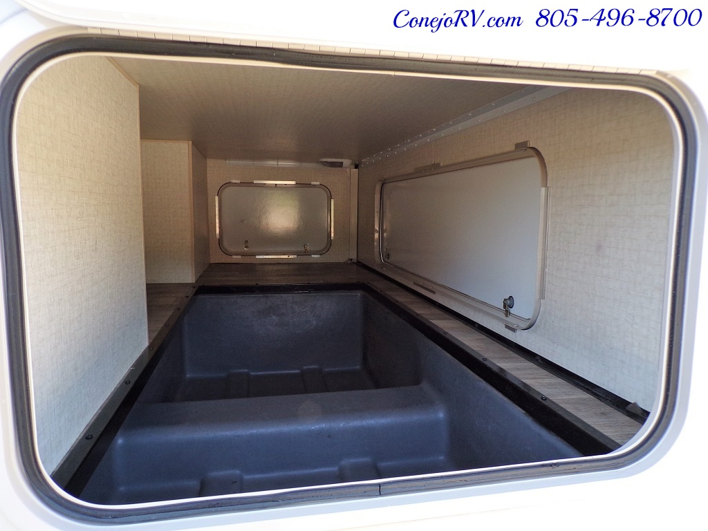 2017 Winnebago Minnie Winnie 27Q Ford E-450 Slide Out - Photo 35 - Thousand Oaks, CA 91360