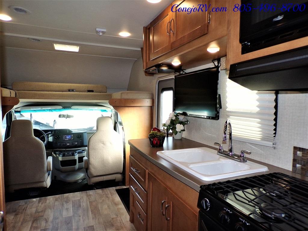 2017 Winnebago Minnie Winnie 27Q Ford E-450 Slide Out - Photo 23 - Thousand Oaks, CA 91360