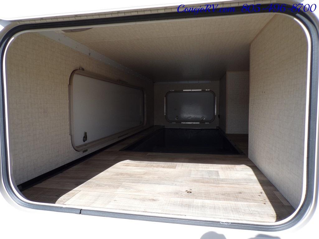 2017 Winnebago Minnie Winnie 27Q Ford E-450 Slide Out - Photo 33 - Thousand Oaks, CA 91360