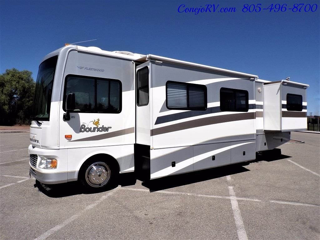 2006 Fleetwood Bounder 34F Triple Slide - Photo 42 - Thousand Oaks, CA 91360