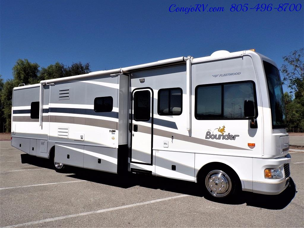 2006 Fleetwood Bounder 34F Triple Slide - Photo 3 - Thousand Oaks, CA 91360