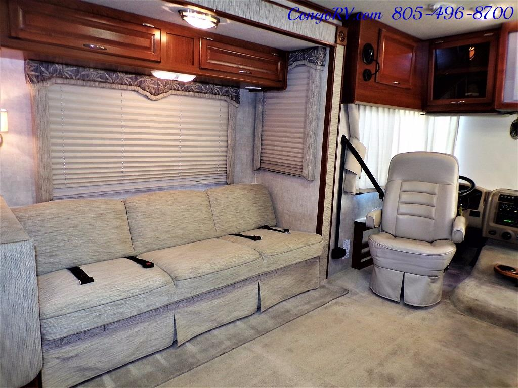 2006 Fleetwood Bounder 34F Triple Slide - Photo 10 - Thousand Oaks, CA 91360