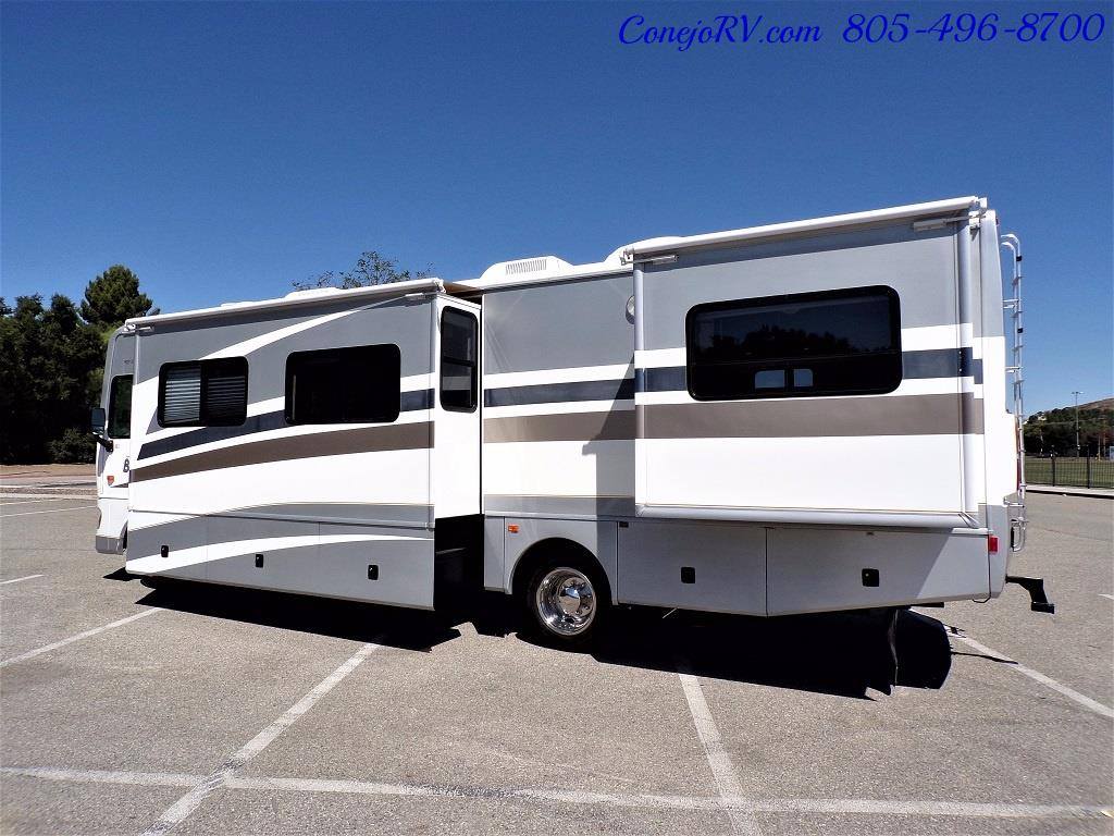 2006 Fleetwood Bounder 34F Triple Slide - Photo 2 - Thousand Oaks, CA 91360