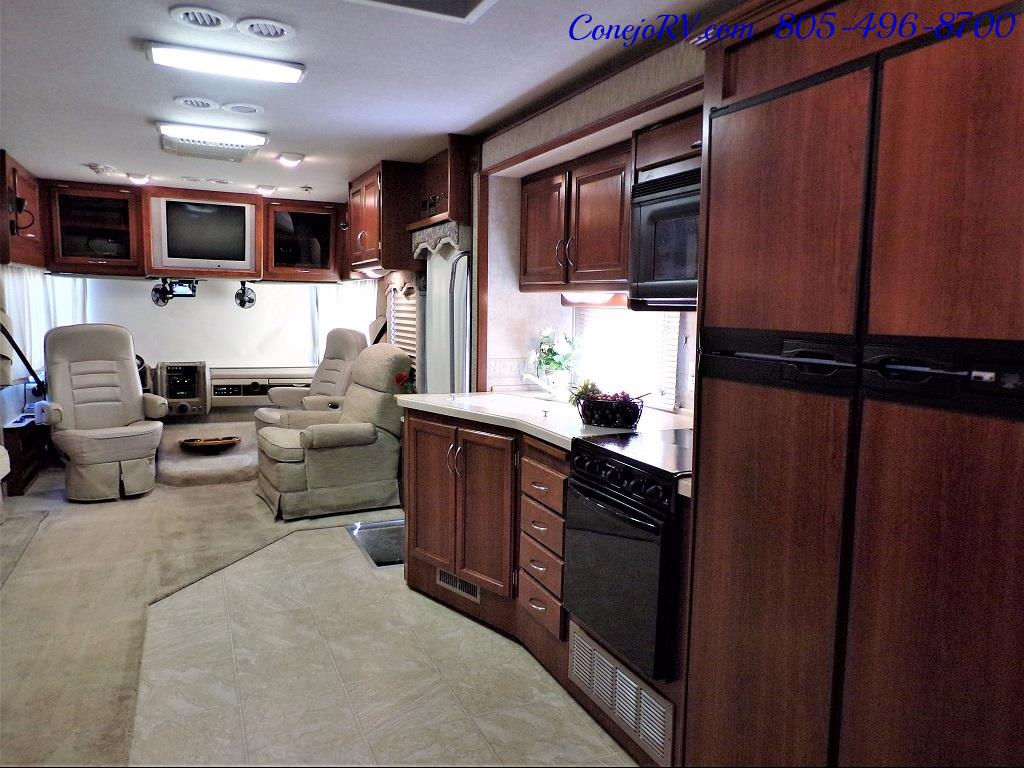 2006 Fleetwood Bounder 34F Triple Slide - Photo 26 - Thousand Oaks, CA 91360