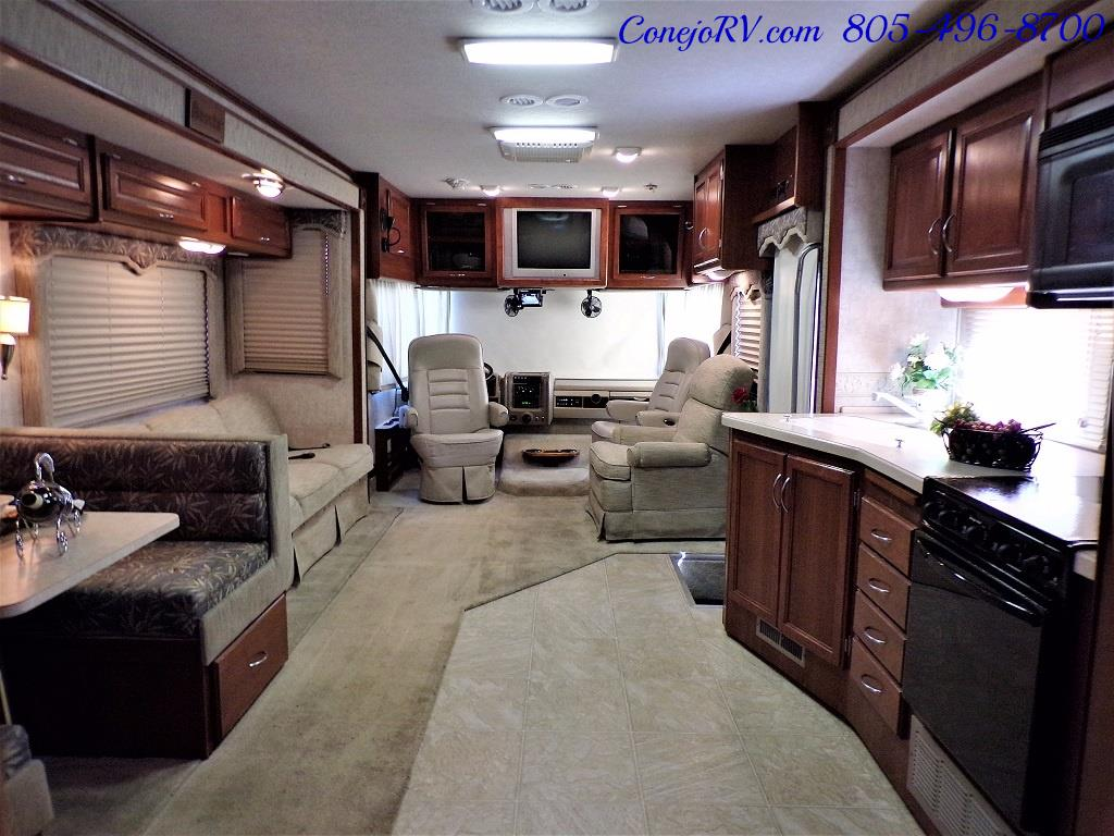 2006 Fleetwood Bounder 34F Triple Slide - Photo 24 - Thousand Oaks, CA 91360