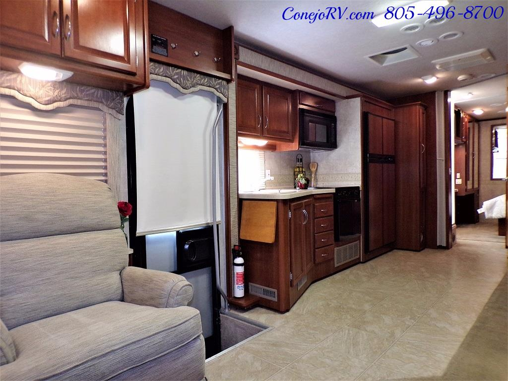 2006 Fleetwood Bounder 34F Triple Slide - Photo 7 - Thousand Oaks, CA 91360