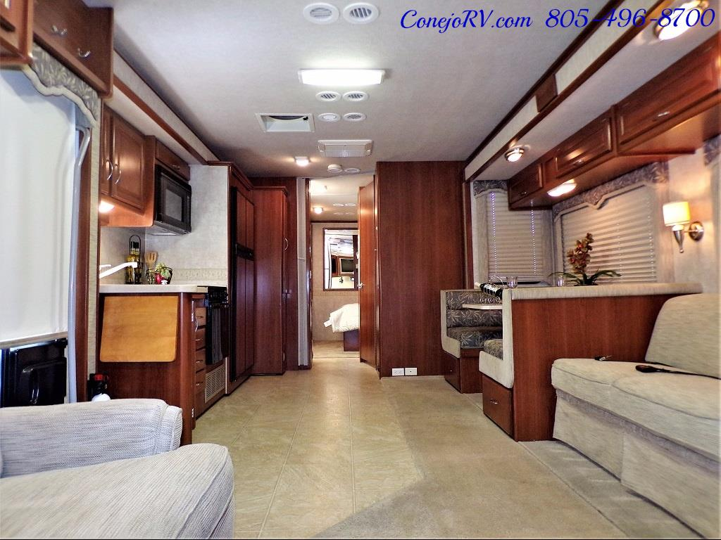 2006 Fleetwood Bounder 34F Triple Slide - Photo 5 - Thousand Oaks, CA 91360