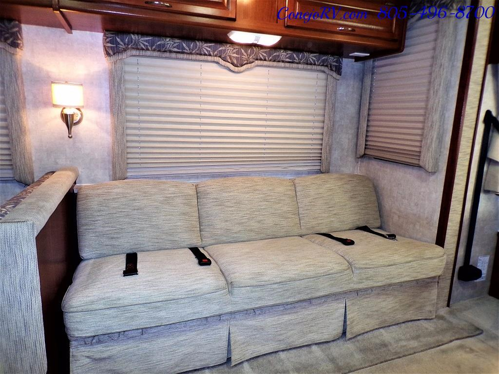 2006 Fleetwood Bounder 34F Triple Slide - Photo 9 - Thousand Oaks, CA 91360