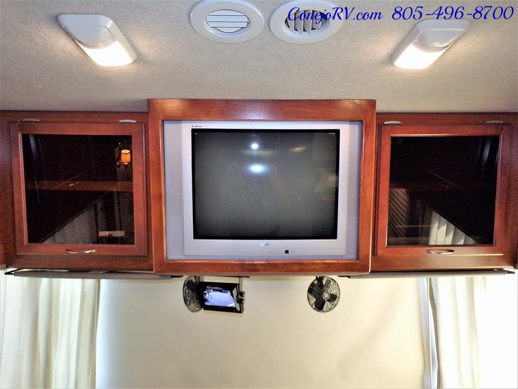 2006 Fleetwood Bounder 34F Triple Slide - Photo 30 - Thousand Oaks, CA 91360