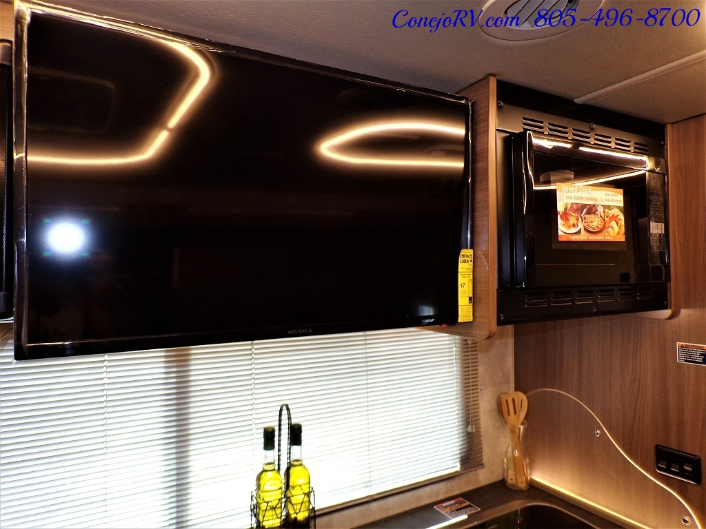 2018 Winnebago Itasca Navion 24D Full Wall Slide-Out Mercedes Turbo Diesel - Photo 17 - Thousand Oaks, CA 91360