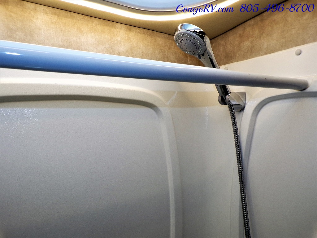 2018 Winnebago Itasca Navion 24D Full Wall Slide-Out Mercedes Turbo Diesel - Photo 19 - Thousand Oaks, CA 91360
