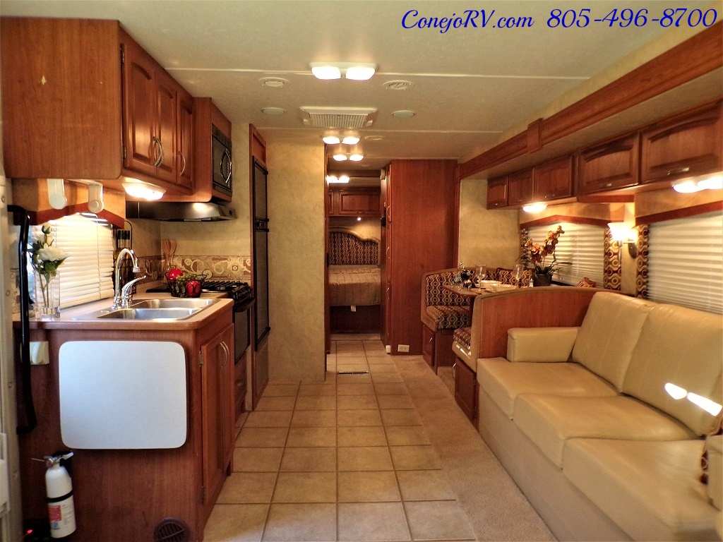 2010 Holiday Rambler Arista 30 PBS Slide Out 38K Miles - Photo 5 - Thousand Oaks, CA 91360