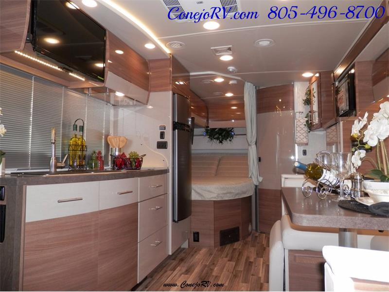 2017 Winnebago Itasca Navion 24J Slide-Out Full Body Paint Diesel - Photo 9 - Thousand Oaks, CA 91360