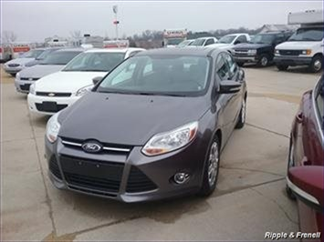 2012 Ford Focus SE - Photo 1 - Davenport, IA 52802