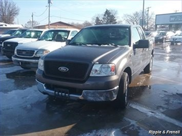 2004 Ford F-150 XL 4dr SuperCab XL - Photo 1 - Davenport, IA 52802