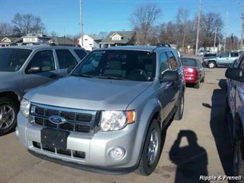 2011 Ford Escape XLT - Photo 1 - Davenport, IA 52802