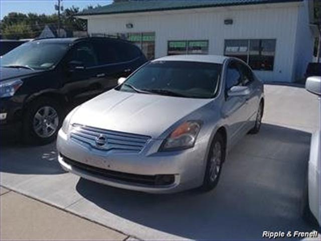 2007 Nissan Altima 2.5 S - Photo 1 - Davenport, IA 52802